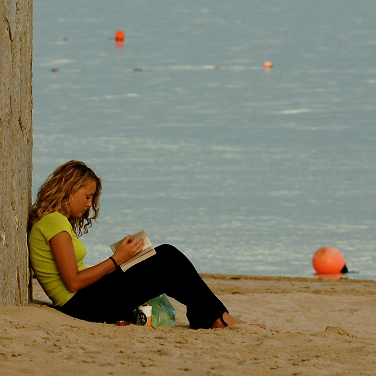 Summer reading-girl at lake